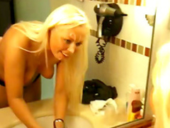 Blonde gets a really big facial load