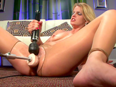 Slender blonde pokes her trimmed puss