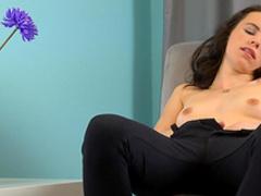 Brunette Veronica Radke is fingering her shaved puss