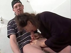 Mature woman fucked in the laundry room