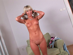 Slutty blonde shows her awesome ass