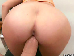 Young snatch welcomes big dick