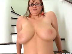 Curvy glasses girl sexed up