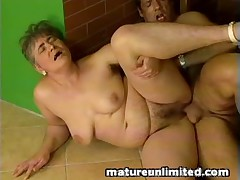Granny gets penetrated deep
