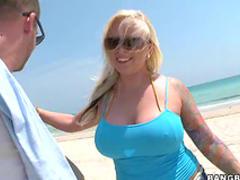 Curvy bikini blonde plowed