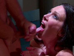 Hardcore milf Rayveness is getting cum on her tongue