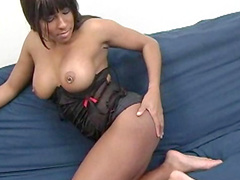 Yasmine Love is stretching her shaved vagina