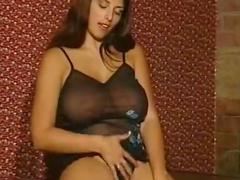 Big titty masturbator plays