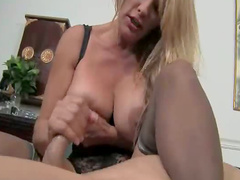 Curvy smoking blonde gives handy