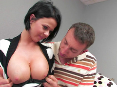 Big-titted babe Loni Evans fucks in her shaved pussy