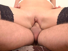 Milf Mona is getting cuni and giving a blowjob
