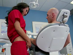 New patient takes doctor pussy