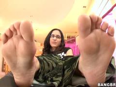 Sticky footjob from glasses girl