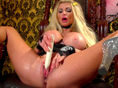 Taylor Wane fuck her awesome shaved hole