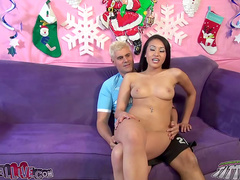 Asian in game show style hardcore scene