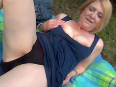 Amateur Julia gets fucked on the grass