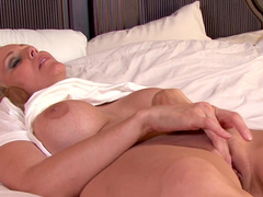 Julia Ann gets an orgasm after masturbation