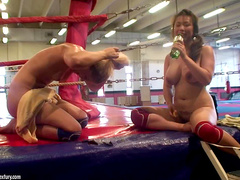 Lesbian sporty porn in the boxing ring