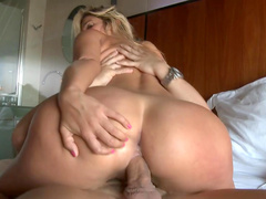 Blonde with a big ass swallows cum after getting nailed
