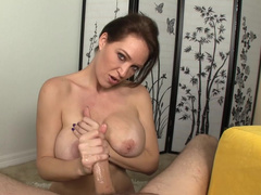 Amateur milf shows her big boobies