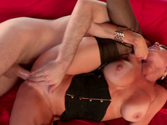 Redhead housewife gets her trimmed pussy licked and boned