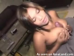 Huge boobs girlfriend gives titjob