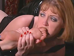 Lesbian domme demands toe sucking