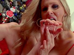 Sweet chick Julia Ann gives a sloppy blowjob