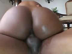Nyomi Banxxx Booty Talk