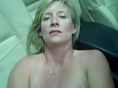 Blonde Jaguar Masturbates in Car with Phone Charge