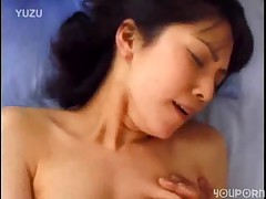Oriental XXX scene ends in facial -