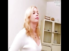 Blonde Leah visiting gyno clinic to have pussy speculum check