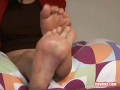 Tiny Mia - Cute Chick Flaunting Her Sexy Feet