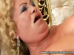Perverted granny gets her pussy licked