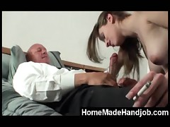 Babe gives her best to make this guy shoot his load