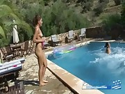 Crazy spanish chicks pissing