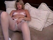 (Film Porno) MC mature - pantyhose hairy masturbation Archos