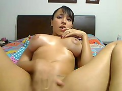 Amateur girl masturbate