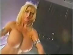 Pandora Peaks - Sexy Dancer