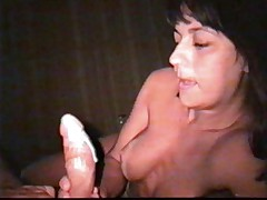 Latin MILF oral sex