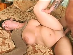 Loves to bone a chubby milf slut in his bed