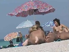 Voyeur hot pussy at the nude beach