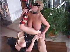 Curvy mature fisting and fucking in leather