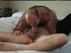 Heavy hairy dude analed