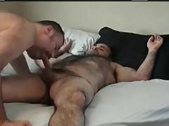 Heavy hairy dude analed