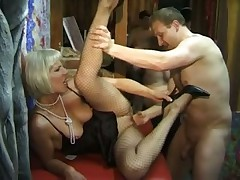Swinger party with lots of milfs sucking and fucking