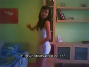 Latina dancing very hot on webcam
