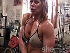 Sexy Mature Blonde Gym Rat