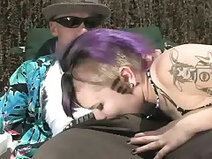 Punk girlfriend gives blowjob to her boyfriend